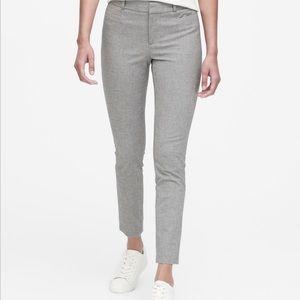 🌷 Banana Republic Sloan skinny fit pant 00P